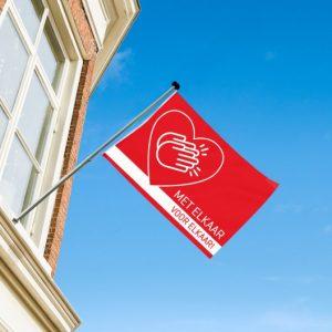 De vlag uit als steunbetuiging: met elkaar, voor elkaar!